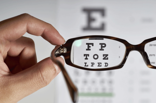 viewing eye chart through glasses